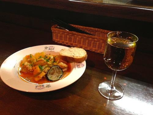 マイルドなパプリカのスープは、最後の一滴まで飲み干したくなります!