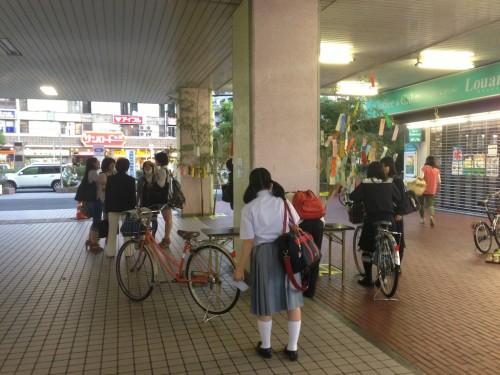 7月の小阪の風物詩。駅の笹