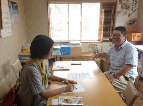 納豆の話をする時の笑顔がとてもすてきな山本社長です