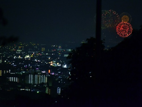 PLの花火 阪奈道路付近から無理矢理w 東大阪の夜景と共に @T_kirico_N