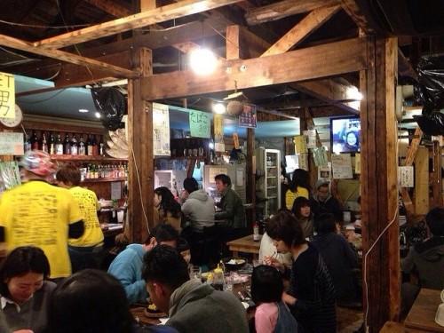 人で溢れかえる岩山海小阪店