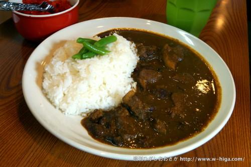 ゲリラの「豚肉とお豆のオリジナルカレー」。柔らかいお肉がゴロゴロ入ってます。