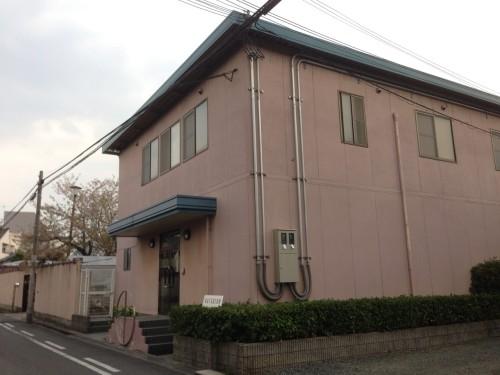 カツロン本社。司馬遼太郎記念館からすぐ。