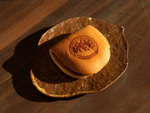 お店の名前を冠した白穂焼き(140円)