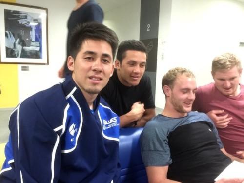 僅かな時間で、NZUからの信頼を勝ち得た藤田選手(左)