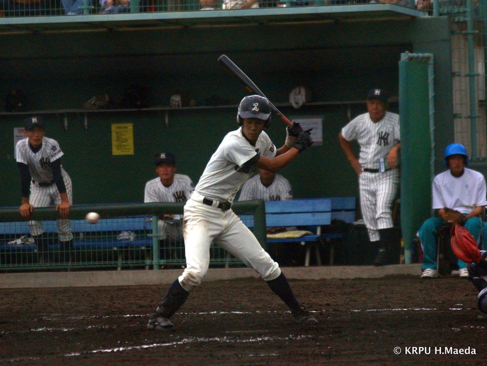 しっかり選んで先頭打者の役割を果たした6番安達。