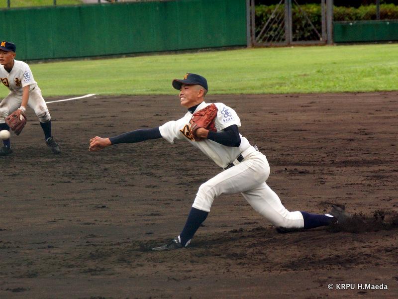 制球もよく、着実に柏原東打線を打ちとっていった久保投手。