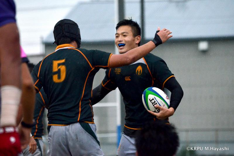 昨シーズンの最終戦、トライを奪った大阪教育大学。