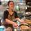 外国人が「さばね」でラーメン作り!  インターンシップ生のリクジーニョが取材&体験してきました